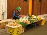 島野菜を売るオバー